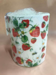 CANDLE BIG STAWBERRIES ALL OVER WHI